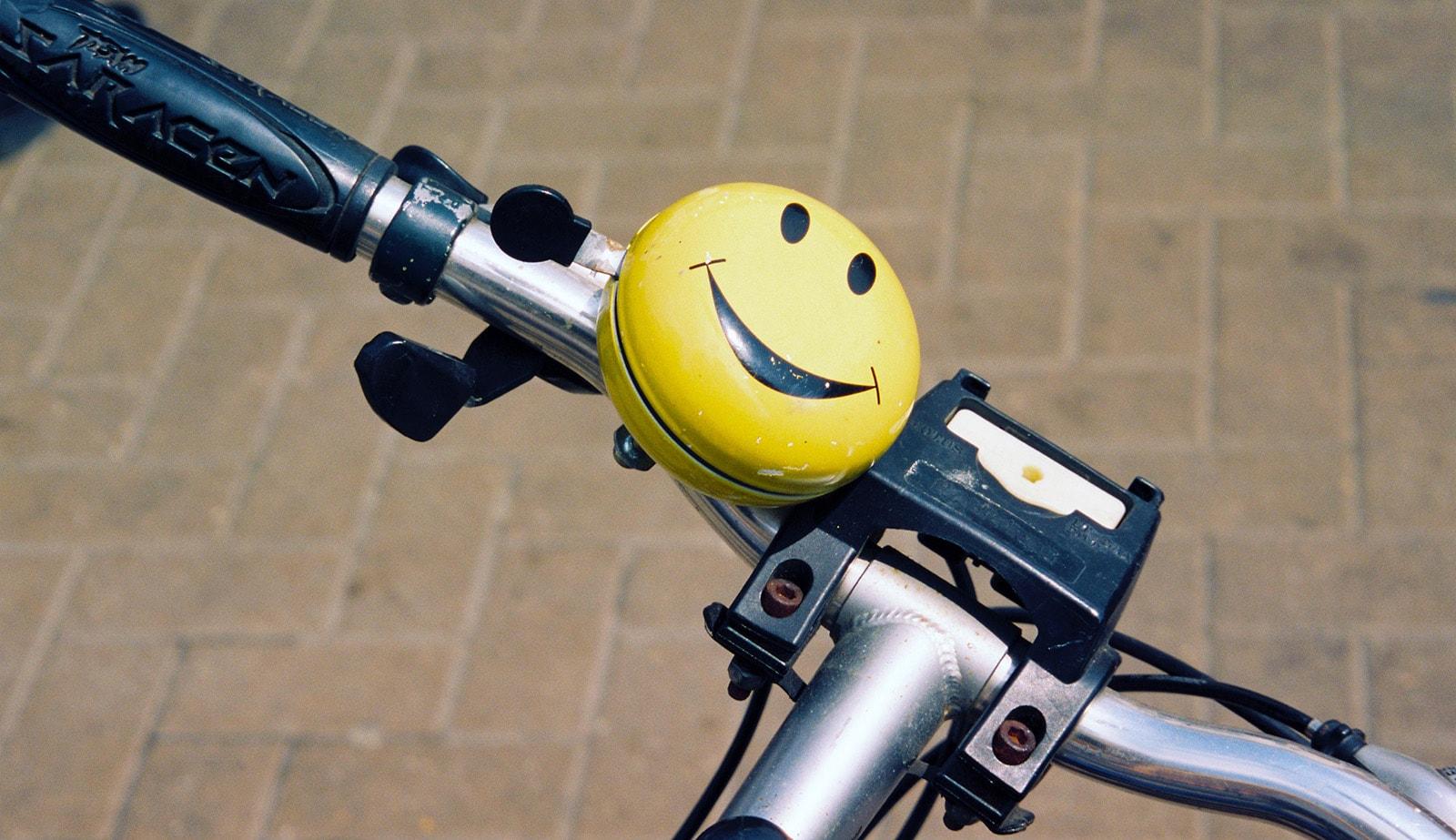Fahrradversicherung Smiley auf Fahrradklingel